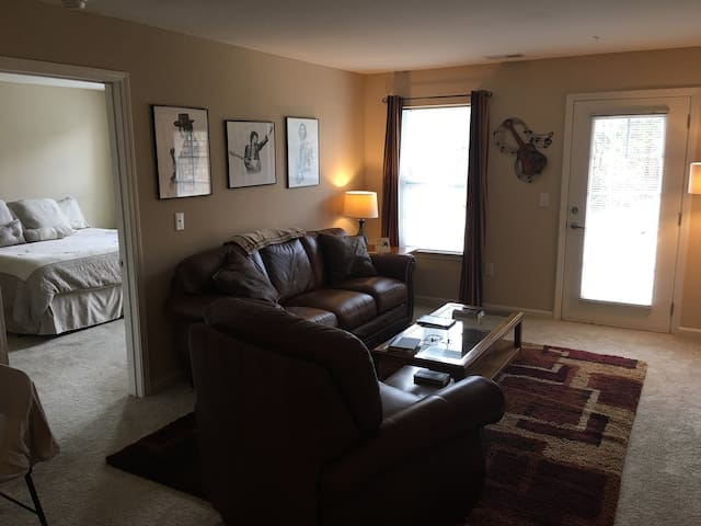 Brand New Room For Your Stay in TN! - Murfreesboro - Apartment