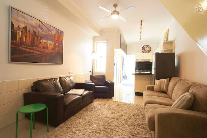 Lovely 3br House by Central Station - Surry Hills - House