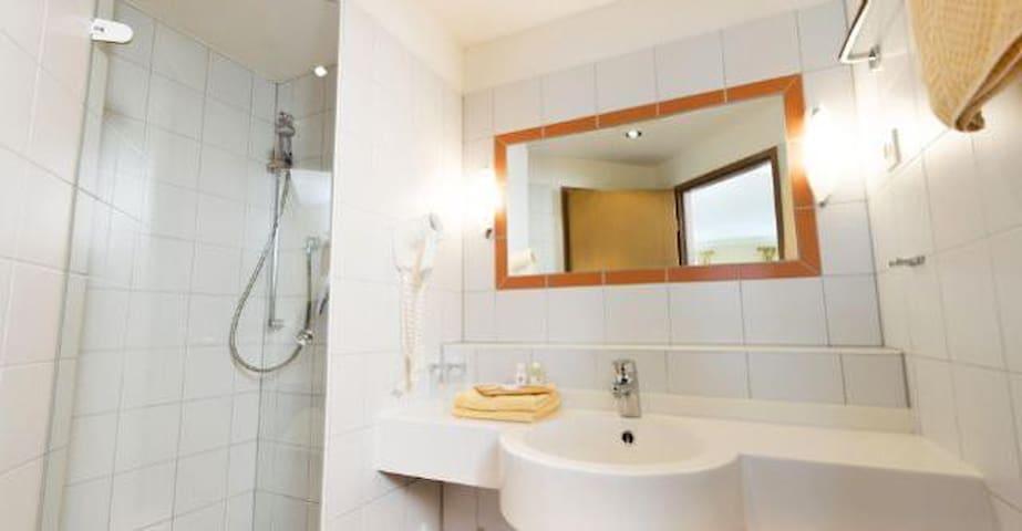 Gasthaus Glaser (Bad Füssing), Helles, freundliches Appartement mit Wohnbereich und Küchenzeile (ca. 30 m²)