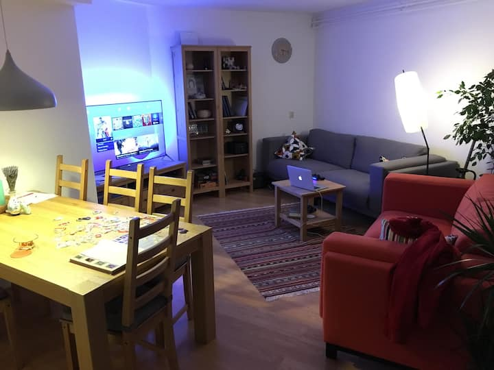 Sunny room, 12 min from centre