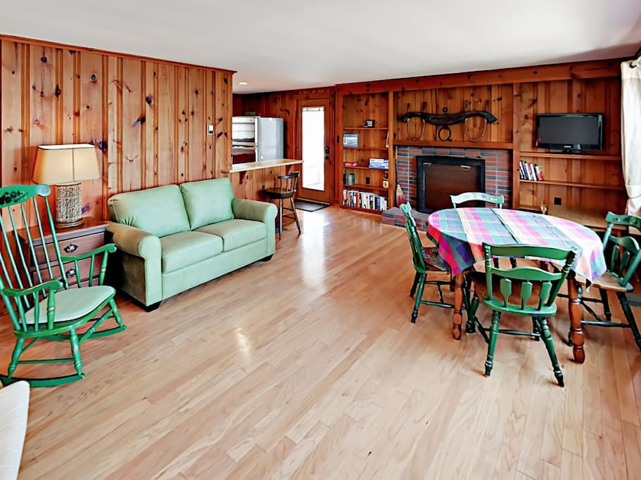The updated cottage offers all-new furniture and bedding throughout to ensure your comfort.