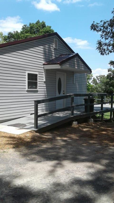 Dockins Cabin On Kentucky Lake