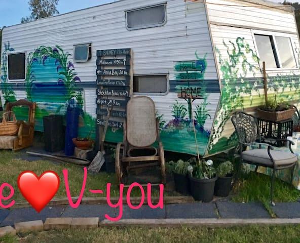 Love V-you Port  Stephens Farm BnB - Corlette - Hus