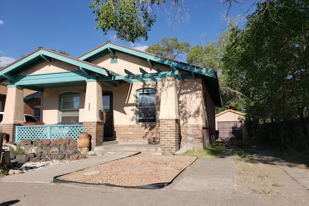 Charming home in the center of Alamosa