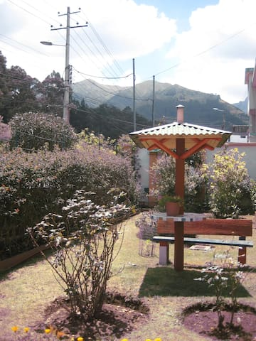 Friendly home - Quito - Bed & Breakfast
