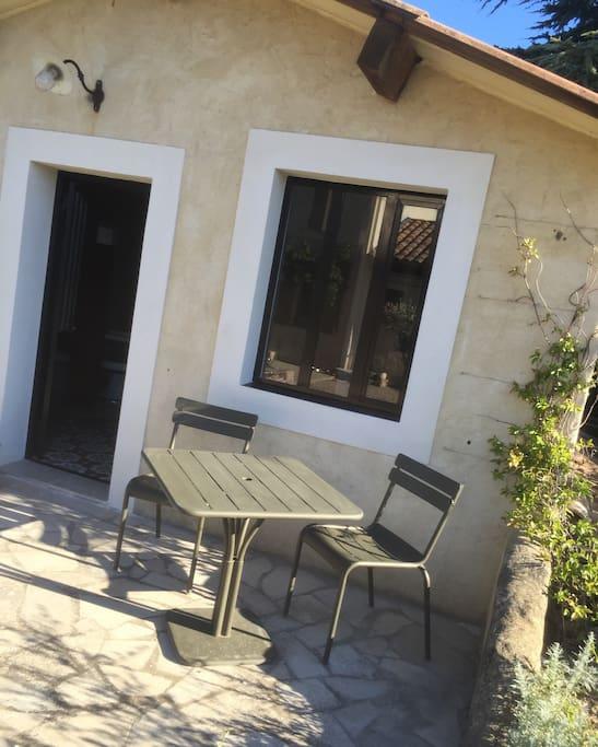 La terrasse privée du Cabanon.