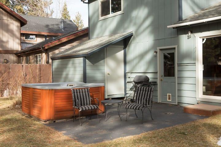 Tahoe's Skier's  Den permit#009202 Shared Rental