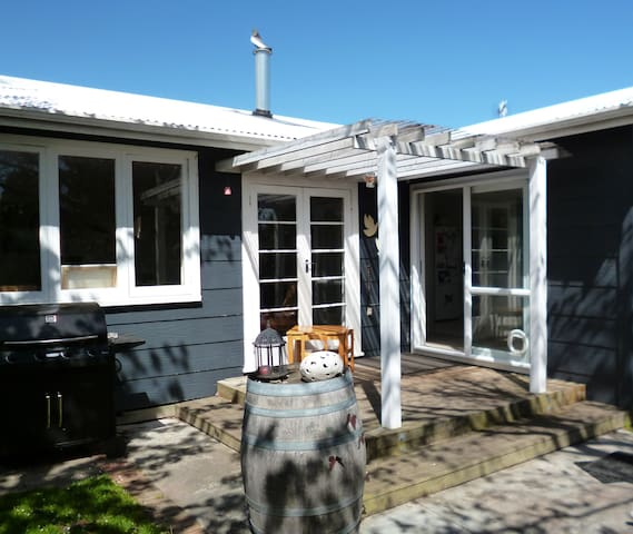 Sunny Coast Cottage - Paraparaumu - Huis