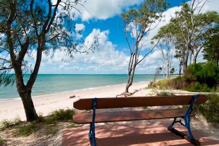 4BR Home, Beachfront, Pool, Pets,  - Talo