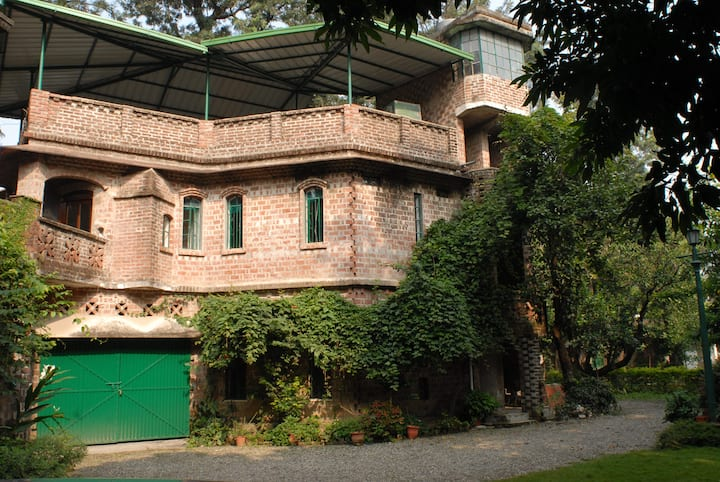 Annexe Suite in a Leafy Orchard - Maksudpur House