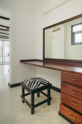 Beautiful Rooms in a Shared Villa at Bahari Dhow. - Mombasa - Villa