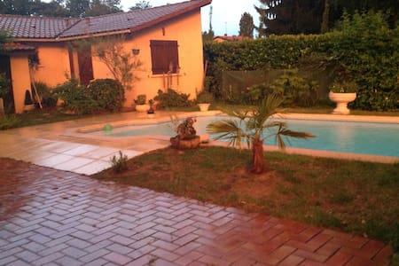 Studio indépendant jardin piscine - Mont-de-Marsan - Talo