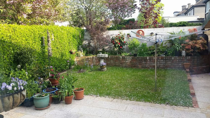 2 Bed Family Home | Dalkey Village - Dalkey - Hus