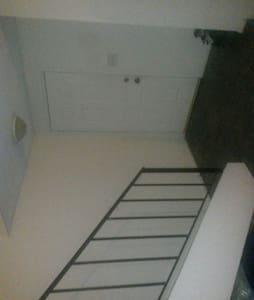 Cozyy n Afordable place - Apartmen