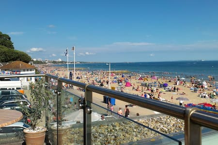 Beach Retreat close to everything in Bournemouth - Bournemouth - Lakás