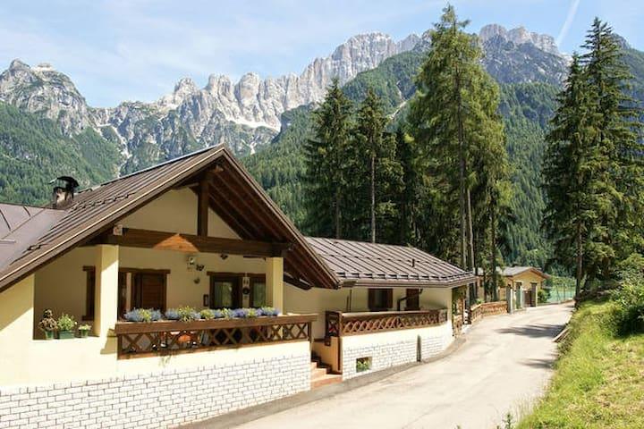 Chalet al Lago Alleghe Marmolada  - Alleghe  - Cottage