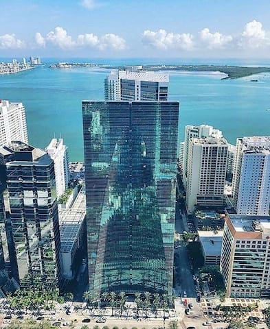 Modern one bedroom with ocean view at brickell