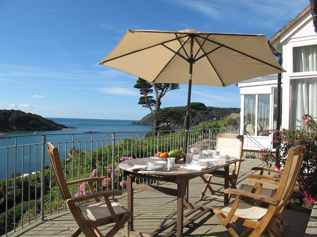"""The Ridings"" Probably the best view in Salcombe - Salcombe - Rumah"