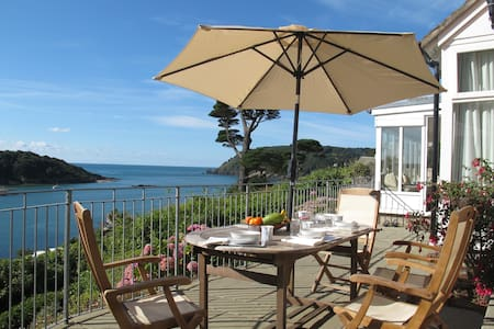 """""""The Ridings"""" Probably the best view in Salcombe - Rumah"""