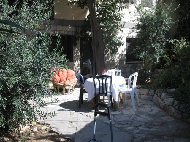 Old City-Artist Quarter, Cozy,  Low-Priced! - Safed - Bed & Breakfast