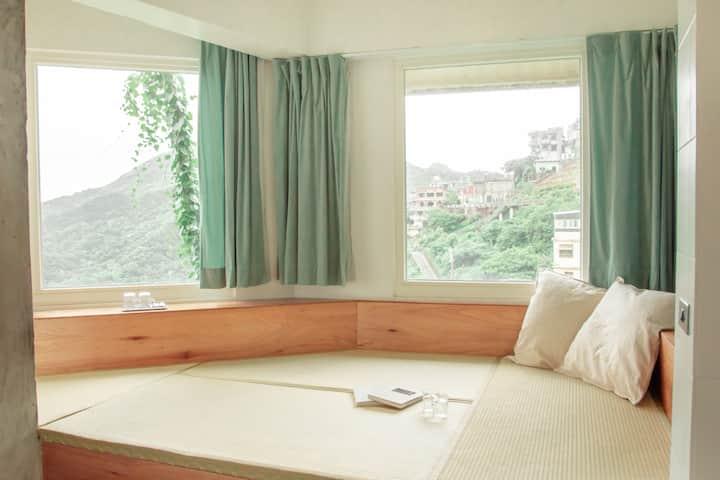Taipei Jiufen | 綠光 Room 1 (超大獨立樓層附美景浴缸、大廚房與陽台)
