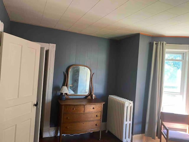 Main Bedroom Pic 1.