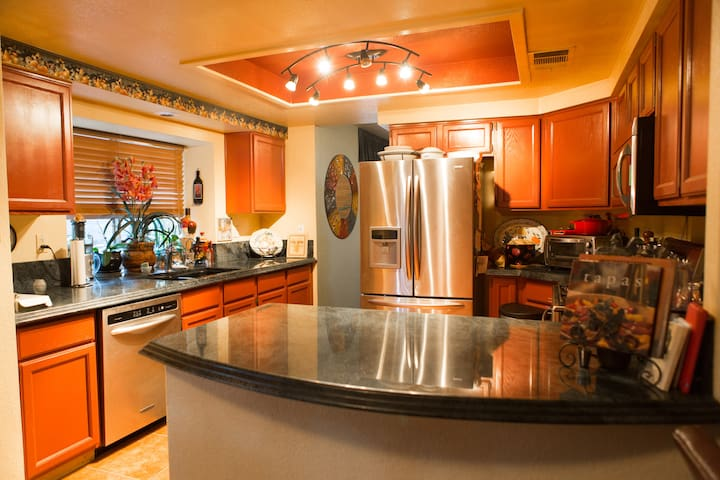 Cozy inviting home in Summerlin - Las Vegas - Bed & Breakfast