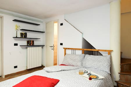 Double room with private bathroom - Mailand