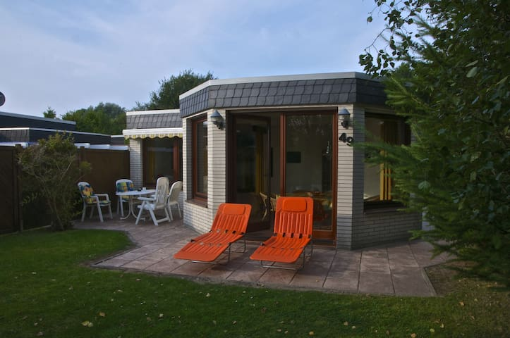 Comfortable house for 5 by the dike - Butjadingen - Dům