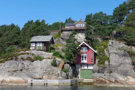Beautiful cottage by the sea - Hauglandshella - Stuga