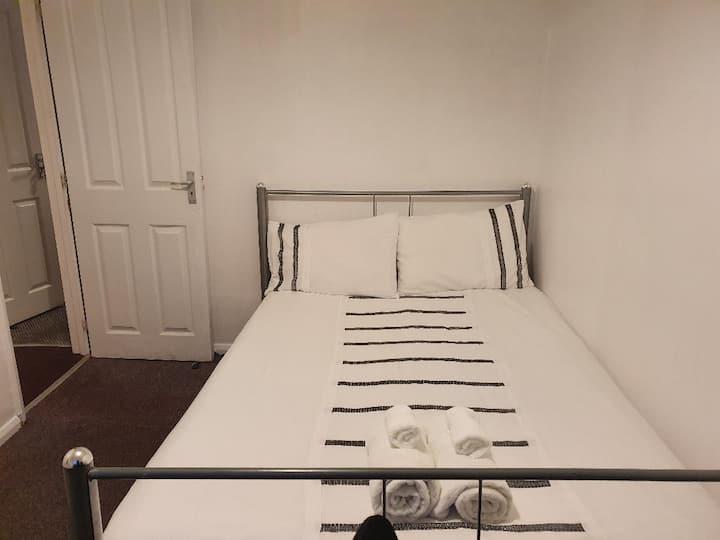 Private Double Bedroom Nottingham City Centre