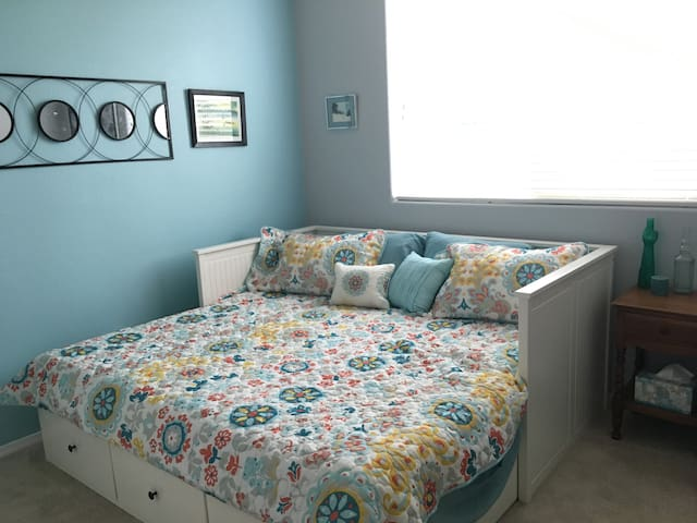 Comfortable Space with a Hot Breakfast! - Albuquerque - House