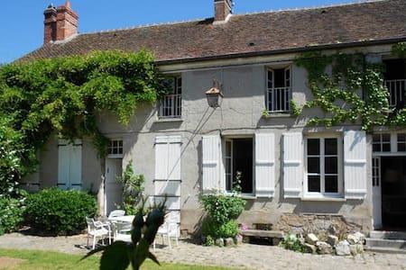 Grande maison près de Fontainebleau - Villiers-sous-Grez - Haus