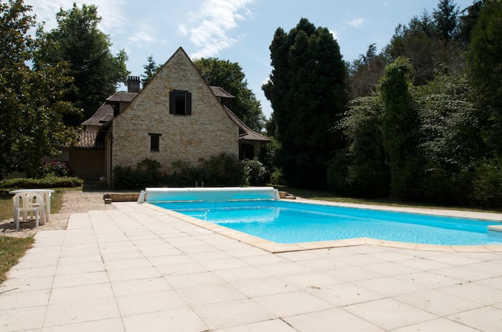 Authentique demeure Périgourdine - berbiguières - Huis