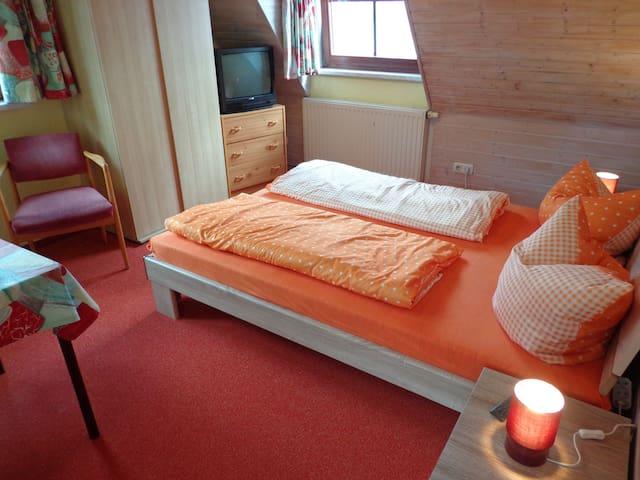 Zimmer Nr. 1, Schlachthofstr.