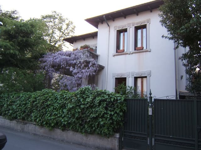 Villa Liberty in affitto a Lido -VE - リド (Lido) - 別荘