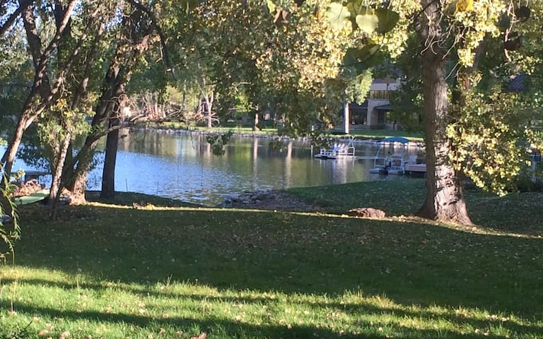 Lakeside Empty Nest Green 2 Br Apt - Fort Collins - Flat