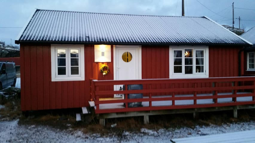 Lofotbo, - Charming fishermans cabin in Stamsund - Stamsund - Chatka