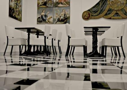 Arcom Palace Appartamento Superior - Pomezia - Apartamento