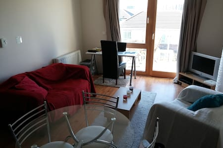 We are offering a single room located in Ringsend, which is close to the ocean&beach, east of Dublin city center. It's not to touristy, but you are within 10 minutes at TempleBar. Around the corner is a TescoExpress for cheap food shopping.