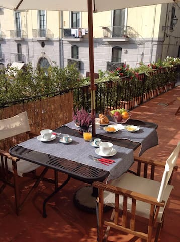 Stylish apartment in centre of Cava Dei Tirreni - Cava de' Tirreni - アパート