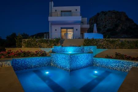 Anemon Villas - Villa Sirocco Early Booking 10% - ชาเนีย