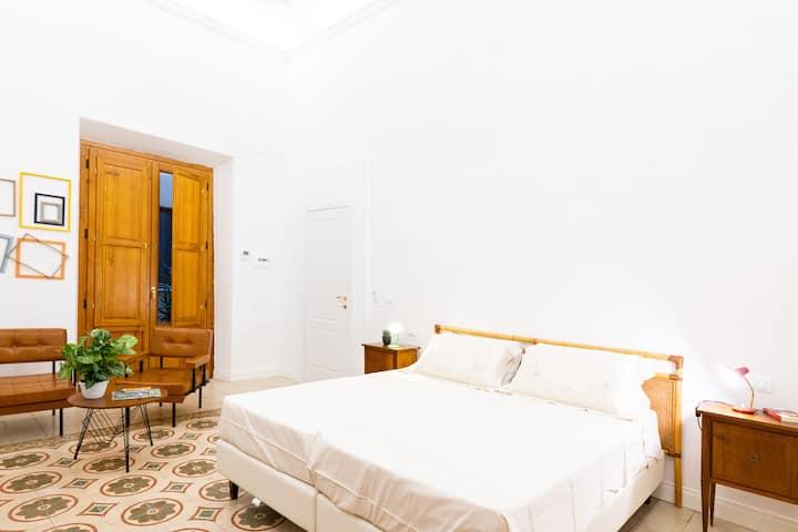 Ampia stanza privata nel centro di Pistoia
