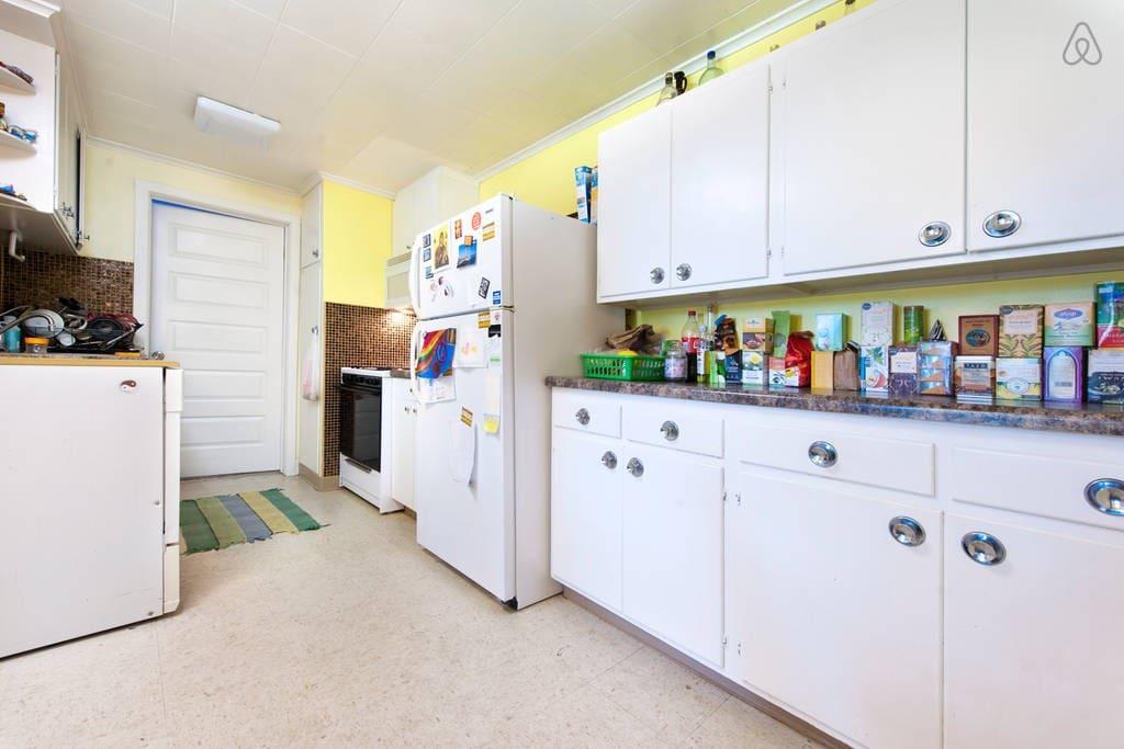 kitchen / small bedroom doors.