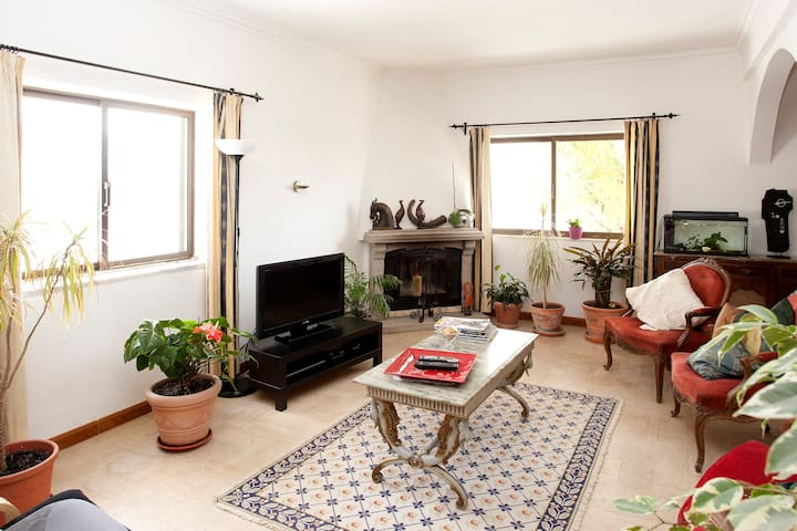 Comfortable Room-Breakfast & WiFi! - Loures - House