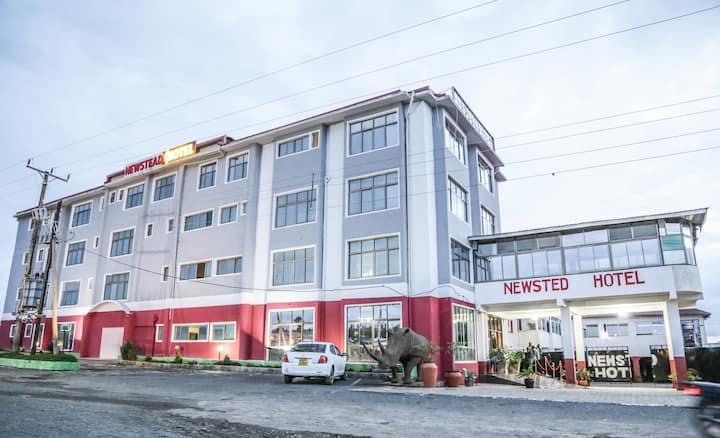Newstead Hotel