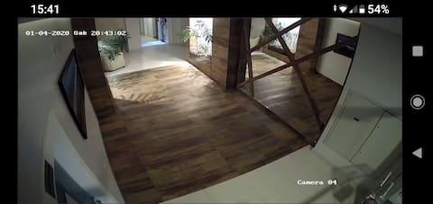 Apartamento no mar grosso com garagem/split/wi- fi