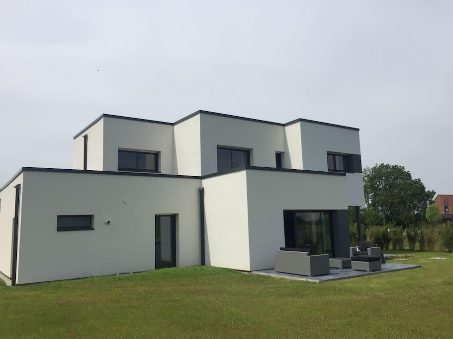 Grande maison moderne 200m2 sur golf de m rignies for Maison contemporaine 200m2