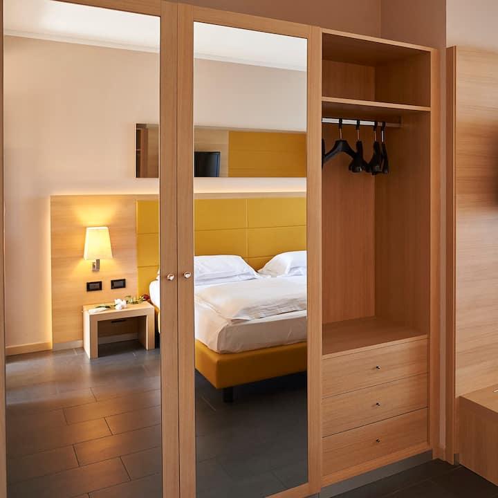 Double room with bathroom on Lake Garda