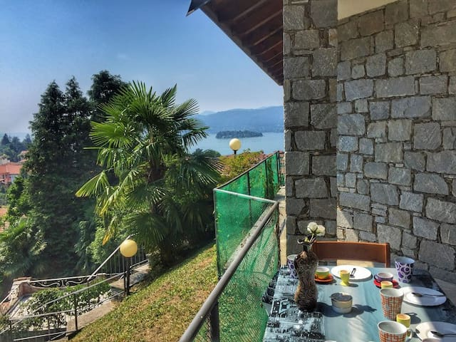 Monica apartment with lake view in Verbania Suna